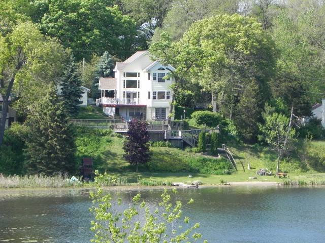 Oakland County Lake front home