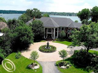 Oakland County Luxury lakefront estate homes