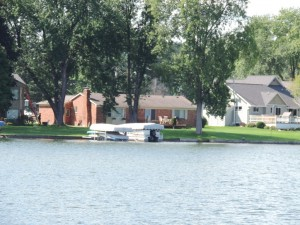 lakefront homes Duck Lake Highland MI