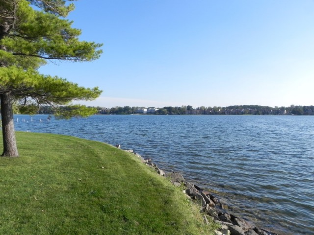 Lakefront homes for sale Loon Lake Waterford MI
