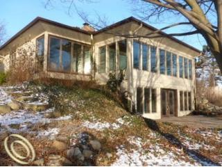 oakland county lakefront foreclosure