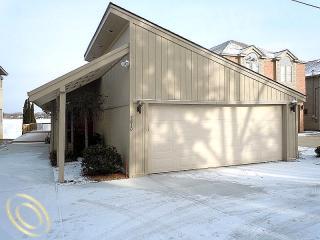4830 Sherwell Waterford MI Elizabeth lake homes for sale