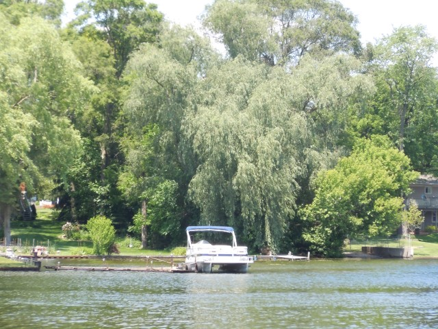 Oakland County lake real estate