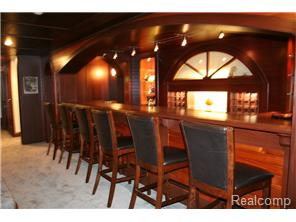 Huge Bar Area in Basement