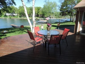 Eat lunch or breakfast on the deck!