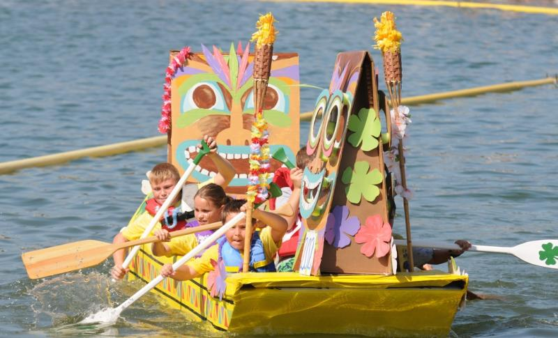 cardboard boat race pics (4)